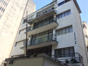 Apartamento En Venta En Caracas, San Bernardino, Venezuela, VE RAH: 16-14047