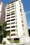 Apartamento En Venta En Caracas, Campo Alegre, Venezuela, VE RAH: 16-13768