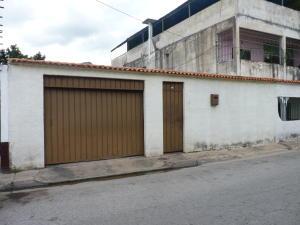 Casa En Venta En Maracay, La Candelaria, Venezuela, VE RAH: 16-13791