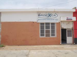 Local Comercial En Venta En Punto Fijo, Puerta Maraven, Venezuela, VE RAH: 16-13793