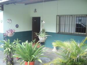 Casa En Venta En La Victoria, Zona Industrial La Chapa, Venezuela, VE RAH: 16-13796