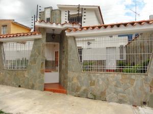 Casa En Venta En Valencia, El Bosque, Venezuela, VE RAH: 16-14728