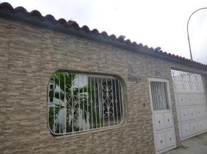 Casa En Venta En Guatire, El Castillejo, Venezuela, VE RAH: 16-13805