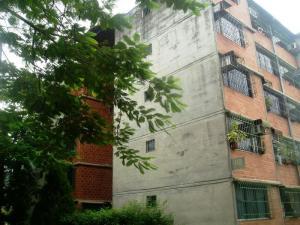 Apartamento En Venta En Guarenas, Nueva Casarapa, Venezuela, VE RAH: 16-13873