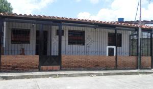 Casa En Venta En San Juan De Los Morros, Zona Industrial, Venezuela, VE RAH: 16-13822