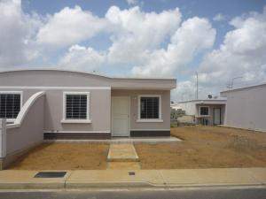Casa En Venta En Barquisimeto, Parroquia Tamaca, Venezuela, VE RAH: 16-13848