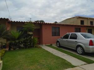Casa En Venta En Cabudare, Parroquia José Gregorio, Venezuela, VE RAH: 16-13871