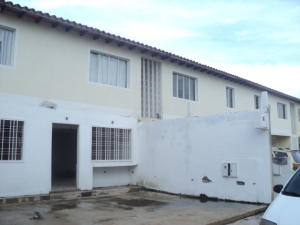 Apartamento En Venta En Municipio Linares Alcantara, La Morita I, Venezuela, VE RAH: 16-13857