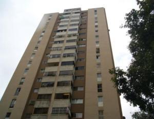 Apartamento En Venta En Caracas, Lomas De Prados Del Este, Venezuela, VE RAH: 16-13872