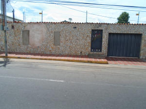 Terreno En Venta En Maracaibo, Las Delicias, Venezuela, VE RAH: 16-14296
