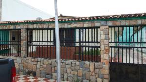 Casa En Venta En Valencia, Flor Amarillo, Venezuela, VE RAH: 16-13883