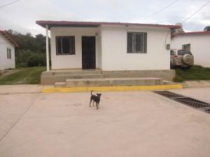 Casa En Venta En Los Teques, El Tambor, Venezuela, VE RAH: 16-13885
