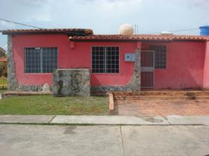 Casa En Venta En Cabudare, Parroquia José Gregorio, Venezuela, VE RAH: 16-13919