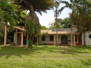 Local Comercial En Venta En Chivacoa, Bruzual, Venezuela, VE RAH: 16-13911