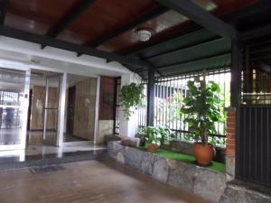 Apartamento En Venta En Caracas, Las Delicias De Sabana Grande, Venezuela, VE RAH: 16-13917