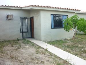 Casa En Venta En San Joaquin, Villas Del Centro, Venezuela, VE RAH: 16-13920