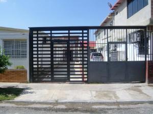 Casa En Venta En Municipio Naguanagua, Las Quintas, Venezuela, VE RAH: 16-13932