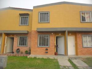 Townhouse En Venta En Valencia, El Recreo, Venezuela, VE RAH: 16-13938