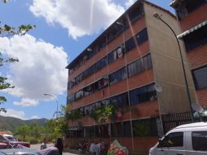 Apartamento En Venta En Caracas, Terrazas De La Vega, Venezuela, VE RAH: 16-13957