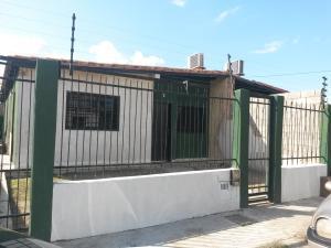 Casa En Venta En Guacara, Ciudad Alianza, Venezuela, VE RAH: 16-13965