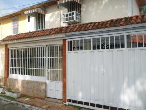 Casa En Venta En Maracay, Caña De Azucar, Venezuela, VE RAH: 16-13978