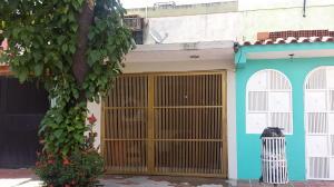 Casa En Venta En Valencia, Parque Valencia, Venezuela, VE RAH: 16-13996