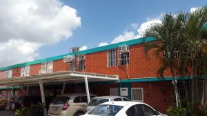 Casa En Ventaen Valencia, Parque Valencia, Venezuela, VE RAH: 16-13996