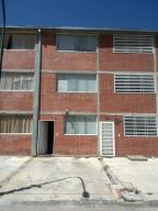 Townhouse En Venta En Guatire, Bonaventure Country, Venezuela, VE RAH: 16-14044