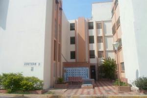 Apartamento En Venta En Maracaibo, Pomona, Venezuela, VE RAH: 16-14048