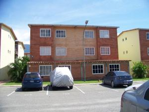 Apartamento En Venta En Guatire, Alto Grande, Venezuela, VE RAH: 16-14088