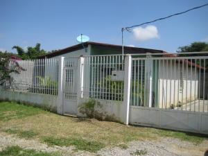 Casa En Venta En Cabudare, Parroquia José Gregorio, Venezuela, VE RAH: 16-14098
