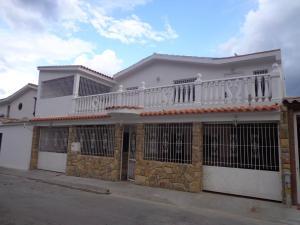 Casa En Venta En La Victoria, San Homero, Venezuela, VE RAH: 16-14109