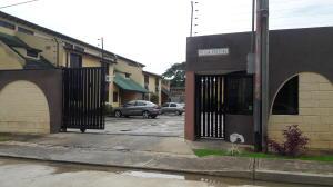 Townhouse En Venta En Municipio Naguanagua, Manantial, Venezuela, VE RAH: 16-14302