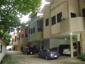 Townhouse En Venta En Valencia, Las Chimeneas, Venezuela, VE RAH: 16-14115