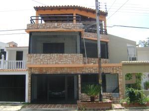 Casa En Venta En Municipio San Diego, La Esmeralda, Venezuela, VE RAH: 16-14123