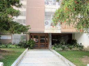 Apartamento En Alquiler En Caracas, Santa Ines, Venezuela, VE RAH: 16-14137