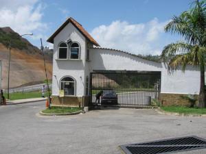 Apartamento En Venta En Los Teques, Parque Residencial La Quinta, Venezuela, VE RAH: 16-14264