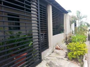 Casa En Venta En Municipio Los Guayos, Buenaventura, Venezuela, VE RAH: 16-14233