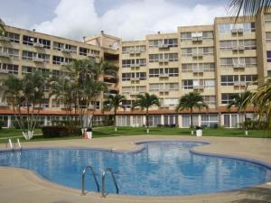 Apartamento En Venta En Higuerote, Agua Sal, Venezuela, VE RAH: 16-14175