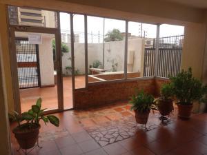 Apartamento En Venta En Maracaibo, La Lago, Venezuela, VE RAH: 16-14179