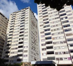 Apartamento En Venta En Caracas, Terrazas De Santa Fe, Venezuela, VE RAH: 16-14203