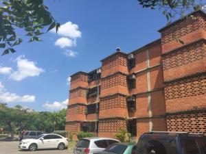 Apartamento En Venta En Guarenas, Nueva Casarapa, Venezuela, VE RAH: 16-14207