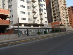Apartamento En Venta En Maracay, Base Aragua, Venezuela, VE RAH: 16-14235