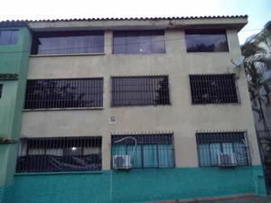 Apartamento En Venta En Valencia, Guataparo, Venezuela, VE RAH: 16-14297
