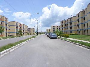 Apartamento En Venta En Municipio Los Guayos, Paraparal, Venezuela, VE RAH: 16-14242