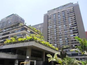 Apartamento En Venta En Caracas, Prado Humboldt, Venezuela, VE RAH: 16-14244