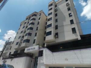 Apartamento En Venta En Guarenas, La Llanada, Venezuela, VE RAH: 16-14243