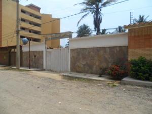 Casa En Venta En Tucacas, Tucacas, Venezuela, VE RAH: 16-14259