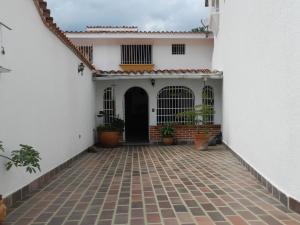 Casa En Venta En Caracas, Colinas De La California, Venezuela, VE RAH: 16-14266