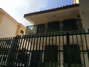 Casa En Venta En Valencia, Trigal Norte, Venezuela, VE RAH: 16-14268